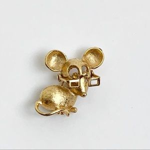 Avon Gold Tone Mouse Brooch Moving Glasses Topaz